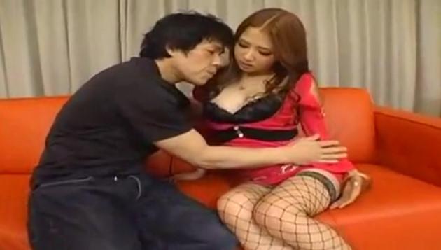 【友田彩也香】見るからにビッチな美ギャルを脅して無許可中出しレイプ