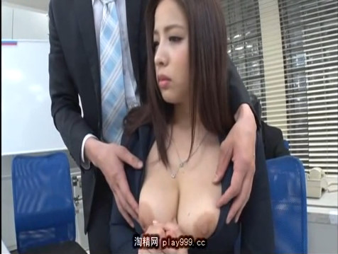 職権乱用して同僚の美巨乳プリ尻OLとセックス三昧しちゃう最悪男。