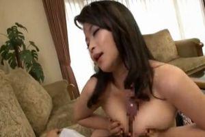 性奉仕に夢中な巨乳妻。挿入直前の突然の来訪者に大慌てwww