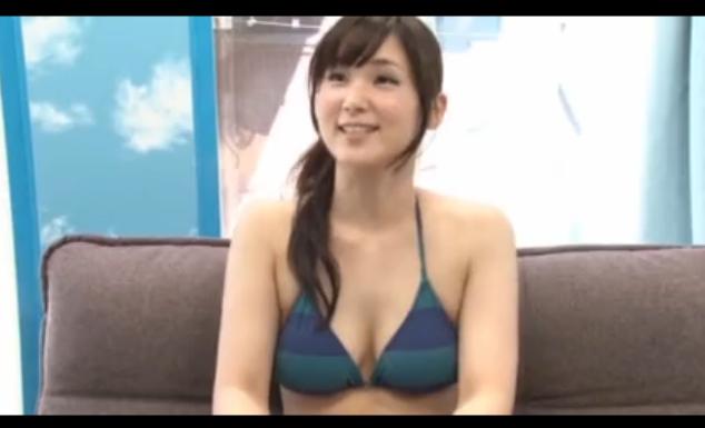 【素人】人妻さんのセクシーなビキニ姿に興奮!MM号で童貞くんを手コキフェラ!