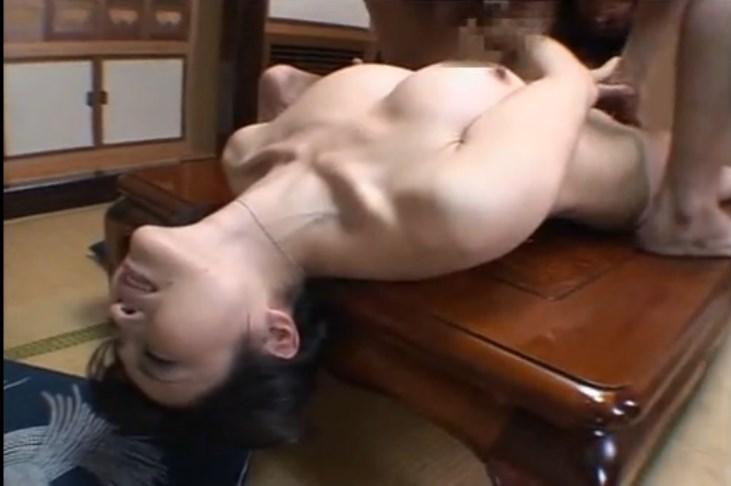 【岡田裕美】夫以外のチンポを受け入れてしまう淫らな本性