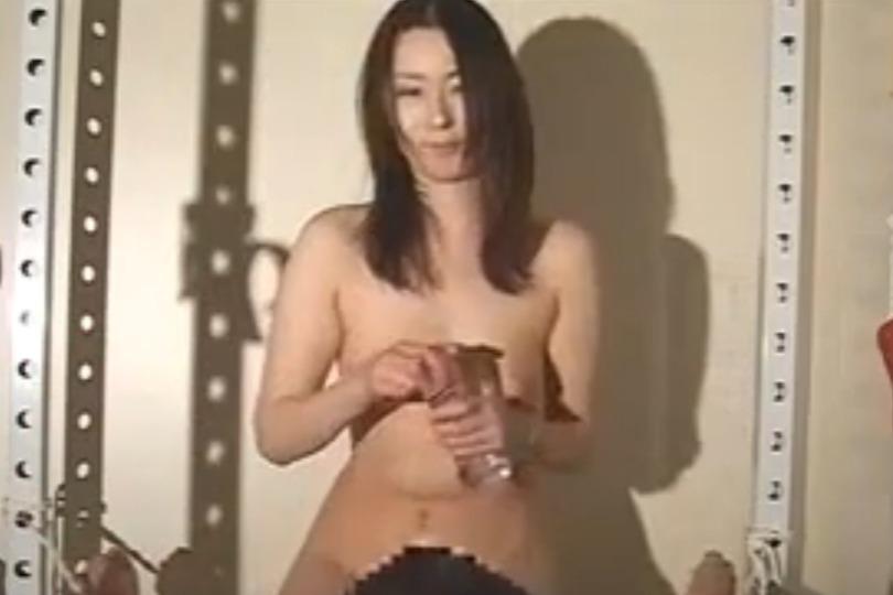 ドSな巨乳お姉さんが全裸でじらしながらの濃厚フェラが気持ちよすぎてヤバイwww