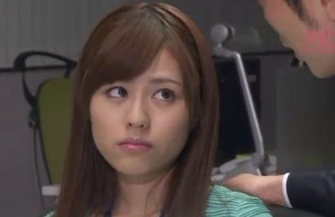 【瑠川リナ】美人女子アナのオメコに巨根が容赦なく挿入される、陵辱レイプ。