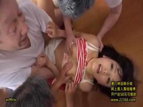 【浜崎真緒】近所でも美人で評判の巨乳若妻がキモい爺さんらに集団輪姦レイプされちゃってます(*´Д`)