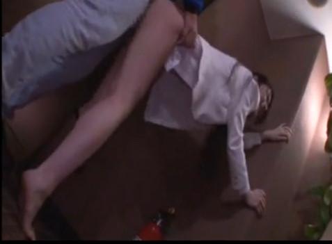 スタイル抜群なホテルウエイトレスを仕事中に痴漢レイプする極悪映像wwww
