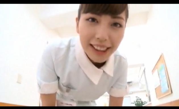 夜勤担当の看護師さんが痴女すぎる!騎乗位素股しながら淫語で鬼責め!
