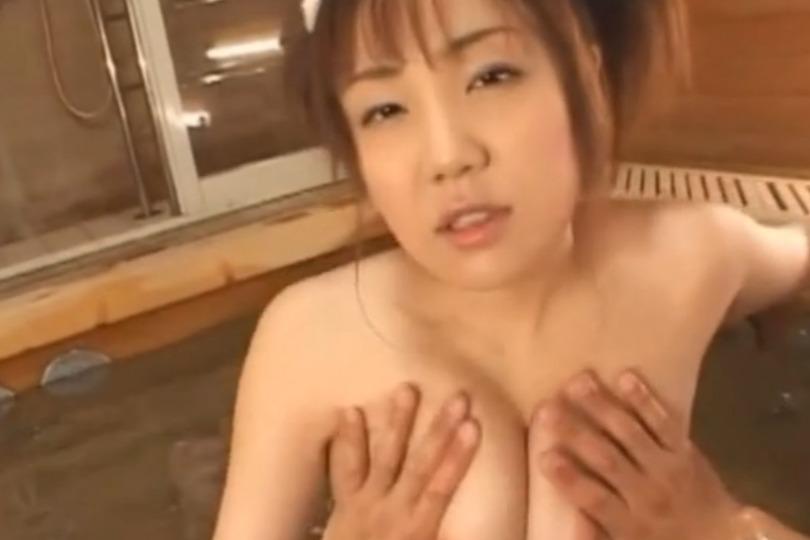 【北島優】お風呂でエッチする巨乳お姉さんの上目遣いのフェラ顔がエロすぎて後ろからもガンガン突いちゃうwww