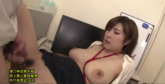 キモい部長にセックス強要させられるドM属性の美巨乳OL。