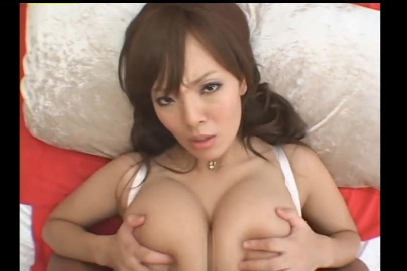 【田中瞳】爆乳風俗嬢のパイズリがチ○コ隠れるぐらいのデカパイで気持ちよすぎるwww