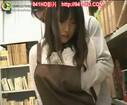 図書館で見つけた巨乳女子大生を容赦なくレイプする最低痴漢男。