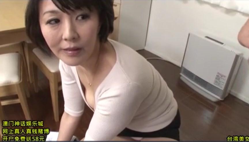 【円城ひとみ】若いチンポで欲求不満を解消するエロ熟女
