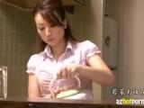 【若菜あゆみ】つい大きくなってしまったボクのチ〇コをフェラする友達の母www