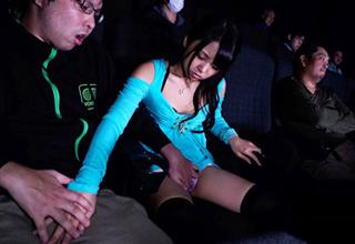 【橋本麻耶】映画を一人でみにきた激カワ女子校生を容赦なくレイプする極悪痴漢集団