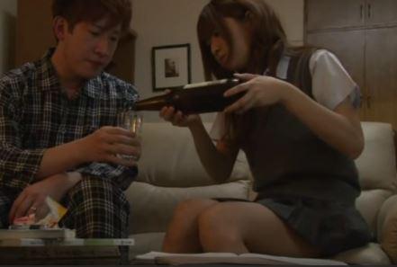 【吉川ゆあ】ソファーで激かわJKに欲情セックスwもう我慢できないwww
