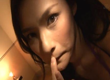 【黒瀬萌衣】ごっくんものw美人な女が口中に溜め込んだ精子をゴックンする瞬間www||動画共有サイト,お姉さん,フェラチオ
