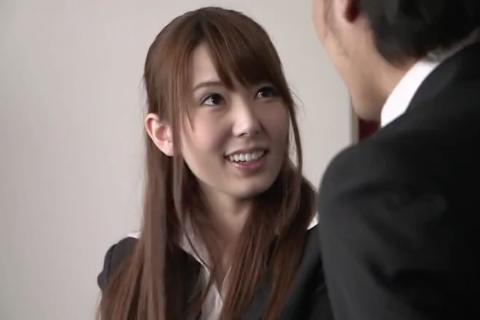 【波多野結衣】元生徒の教育実習生と不倫関係になってしまう女教師。