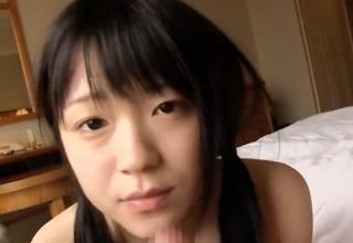【南梨央奈】スッピン美人な黒髪ツインテール美少女のフェラで顔面発射!