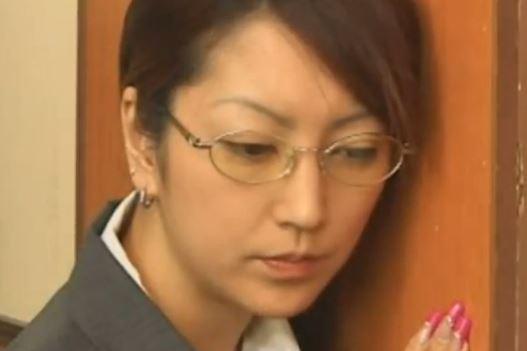 【松島かえで】美貌と抜群のフェラテクで社長に気に入られる女社員www