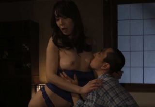 【澤村レイコ】近親相姦をものともせずムスコを求め続けるゆく熟女母