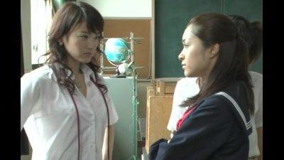【みひろ 西野翔 】桜の大門マークが入ったスケスケパンティを履く学生刑事