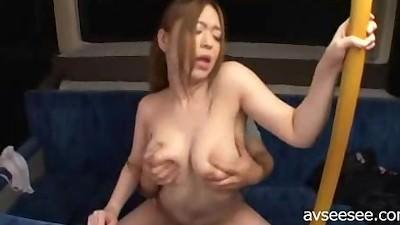 【素人】巨乳の美女にしかできない魅惑のパイズリ&フェラ