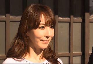 【澤村レイコ】美しい母が自宅で隠れて愉しむ背徳の行為