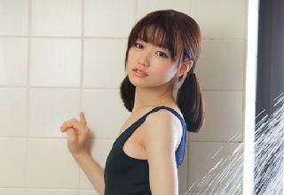 【夏川ひまり】美少女がが上目遣いで勃起チンポを優しくシコシコ