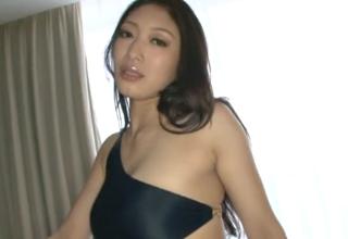 【小早川玲子】長身女王様のM男責め♡ヌルヌル足コキとオッパイ責め♡