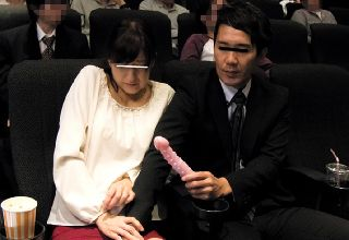【碧しの】映画館で口を塞がれ媚薬固定バイブ放置された女子校生