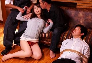 【桃瀬友梨奈】身動き取れない夫の目の前で巨乳若妻を寝取りレイプしまくる最低集団