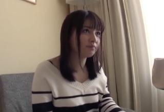 【西内あゆみ】むちっとマシュマロボディなパイパンロリ妻の不倫ハメ撮り。