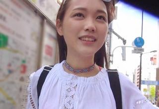 【素人】可愛すぎる外国人美少女ナンパ!固い侍チ●ポを美味しそうにフェラする姿が堪りません(*´Д`)♡