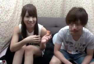 【西村美咲】女友達の裸で勃起しなかったら賞金100万円!!