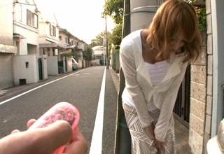 【明日花キララ】スタイル抜群美巨乳妻をリモバイ使って調教。ホテルで主観ご褒美セックス♡