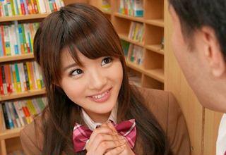 【相沢みなみ】エロいこと大好きな美少女JKと図書館でこっそり手コキで・・