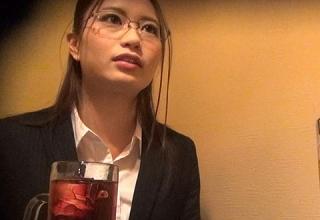 【素人】弁護士を目指すインテリ系女子大生をナンパ!ガチ口説き、そのままホテルへ連れ込みヤリたい放題w