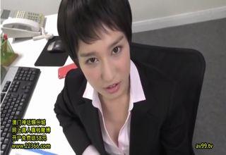 【古川いおり】高圧的な女上司が社員に気合入れwお口で下半身をスッキリさせてあげて、仕事への頑張りを促すwww