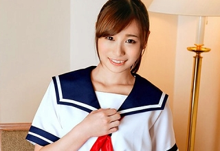 可愛すぎると評判のSSS級美少女コスプレイヤー♡日ごろの感謝をこめてHなファンサービス♪