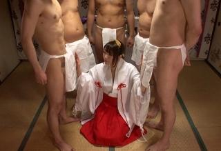 【涼川絢音】巫女になるための儀式として、くさい精液で身体をお清めさせられるJK娘・・・・