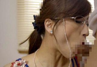 【神波多一花】メガネ着衣のPTA会長役がとてもセクシーでやんすw