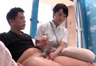 【向井藍】ボーイッシュな看護師さんのオナホ手コキがめっちゃ気持ちいい〜♡