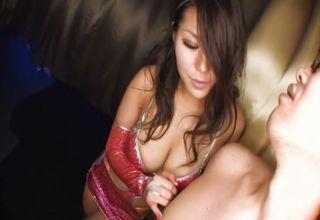 """【伊沢美春】楽しそうにペニスを弄るおねえさん♪奉仕をお願い""""させて""""、目の前のペニスをしゃぶって、挟んで、シゴいてスッキリさせる"""