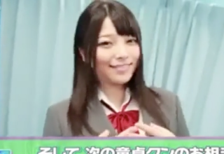 【上原亜衣】ゴム無しでいきなり筆卸ししちゃう過激な制服姿の美少女女優♡