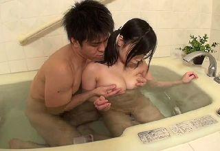 【夕城芹】姪っ子がどのくらい育ったのか気になって一緒にお風呂へ入る事にしました