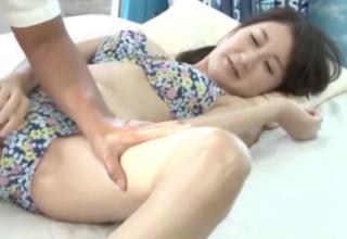 【葵千恵】彼氏の目の前で寝取られセックス♡おっとり系彼女が乱れまくり!!