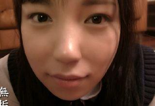 【素人】潤んだ瞳が可愛すぎるスレンダー女子高生とハメる