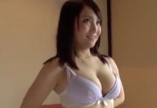 【倉多まお】Hカップの爆弾おっぱいwwグラビアアイドルみたいな女子とハメハメ!
