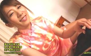 【星宮花音】中国衣装コスプレのエロお姉さんがカメラ目線で丹念フェラwww