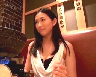 人妻オマ〇コを求めて九州へw極上美人奥さんとホテルで・・