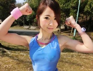 【山咲ゆう】スポーツ系美人お姉さんがフェラ顔射&水着着衣セクロス、中出しw